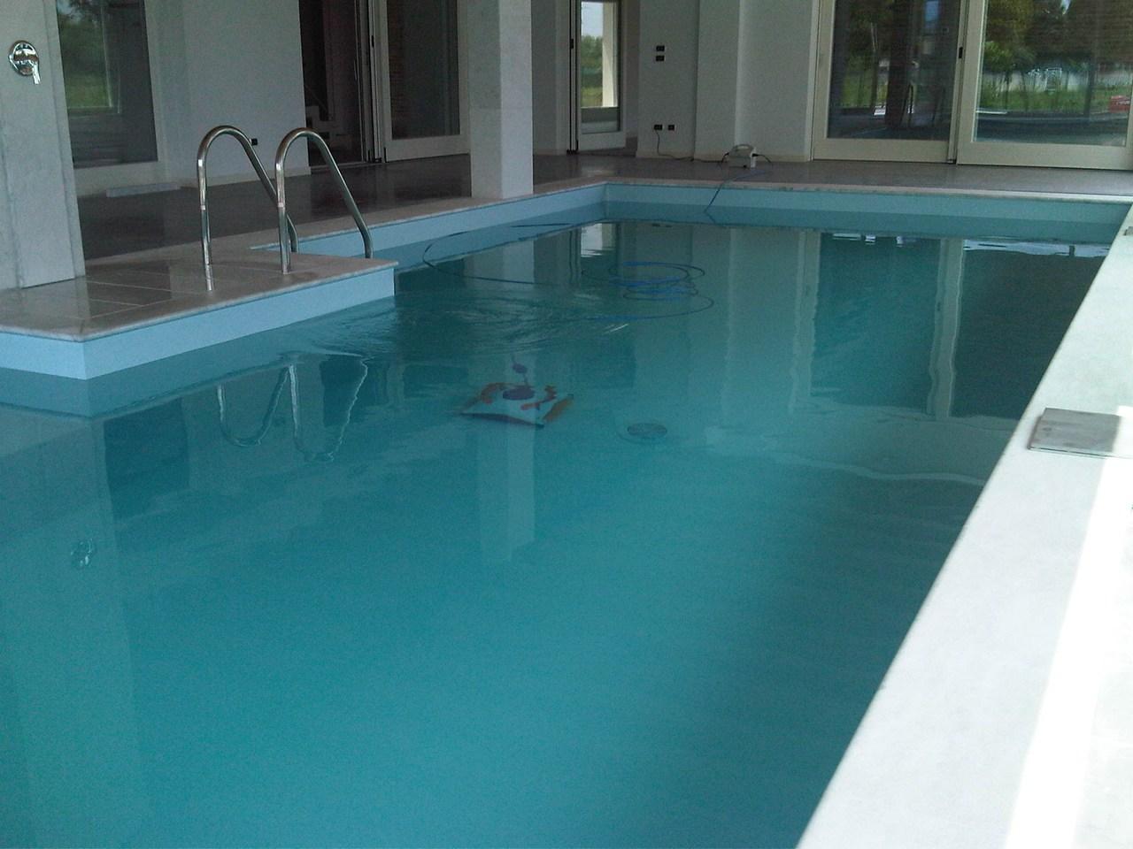 Piscine interne ed esterne per giardino o da terrazzo - Aquazzura piscine ...