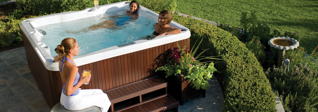Aquazzura jacuzzi serie j235 piscine da terrazzo e - Jacuzzi da giardino ...