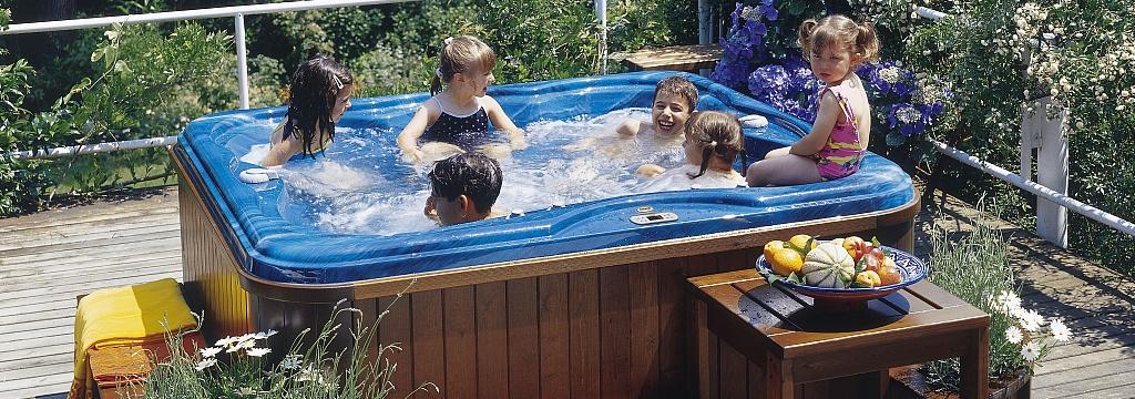 Piscine jacuzzi italian design piscine da terrazzo e - Jacuzzi da giardino ...